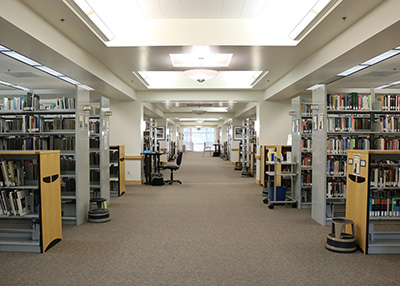 Photo of the stacks on the second floor of Barber Library in Bend